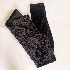 HUE Black Crushed Velvet Leggings